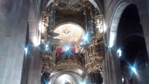 Duelling pipe organs in Braga's cathedral